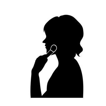 女人塗脂抹粉的臉
