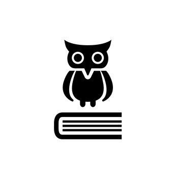貓頭鷹和書籍